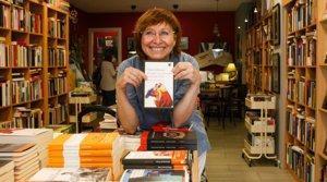 Cecilia Picún, la librera deLibreRío de la Plata, con su recomendación:'El verano en que mi madre tuvo los ojos verdes' (Impedimenta), deTatiana Tibuleac.