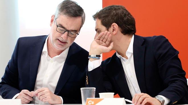 Tras el adelanto electoral anunciado por el presidente del Gobierno, Pedro Sánchez, el pasado viernes, los distintos partidos políticos comienzan a posicionarse de cara al 28 de abril, dejando ver los posibles pactos entre las formaciones.