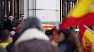 Concentracion en la plaza de Espana de Zaragoza bajo el lema 'La Constitucion merece respeto', el pasado 6 de diciembre.