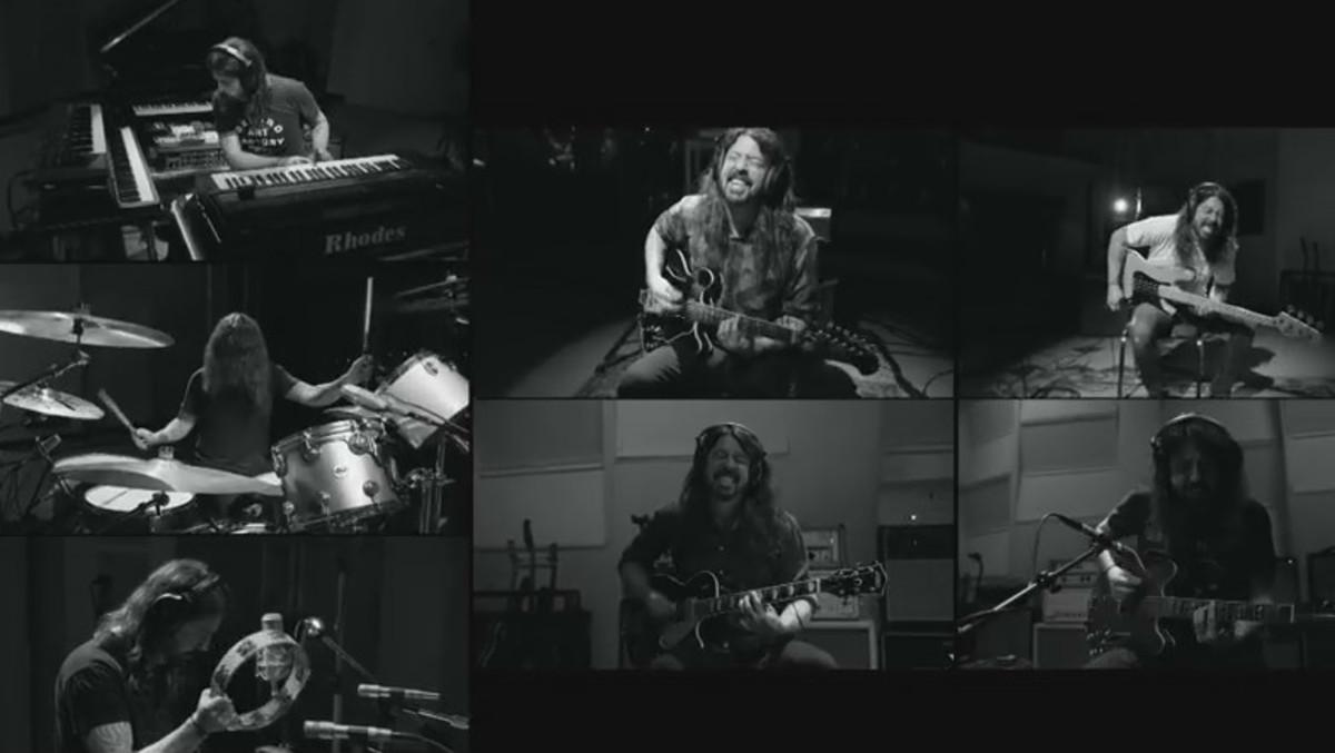 Dave Grohl, multiplicado por siete en el estudio de grabación