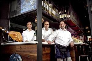 David Moya, Josep Nicolau y Óscar Manresa, cocina de taburete. Foto: Joan Cortadellas