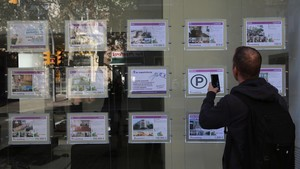 Agencia inmobiliaria de venta de pisos.
