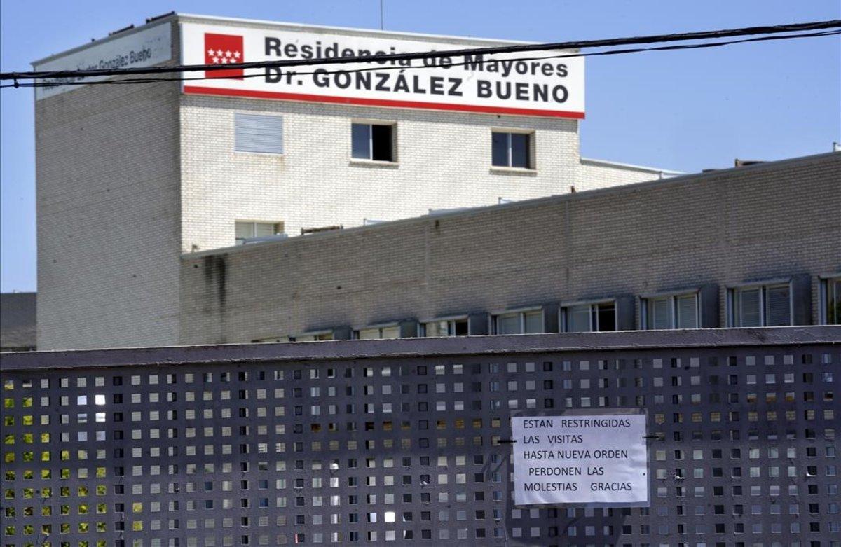 Imágende esta mañana de la residencia de mayores Dr Gonzalez Buenoen Alcobendas donde hayun rebrote de Covid-19 que en principio afecta a 8 personas.