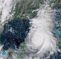 COSTAS DE EE UU -Fotografia cedida por la Administracion Nacional Oceanica y Atmosferica de los Estados UnidosNOAAel 8 de octubre de 2018que muestra una imagen satelital Geo-Color del huracan Michael que se aproxima a la costa de los EEUUMichael se convirtio en un huracan de categoria 1 y se espera que continue fortaleciendoseEFESOLO USO EDITORIALNO VENTAS