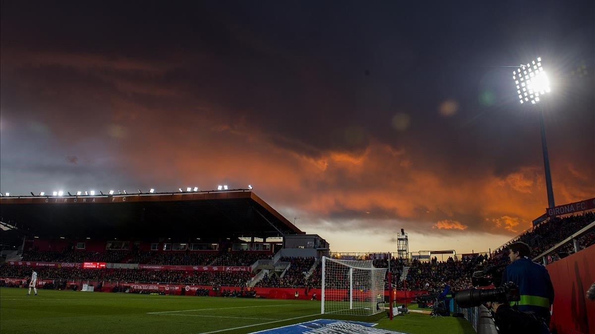 Imagen de un estadio, el de Montilivi en concreto.