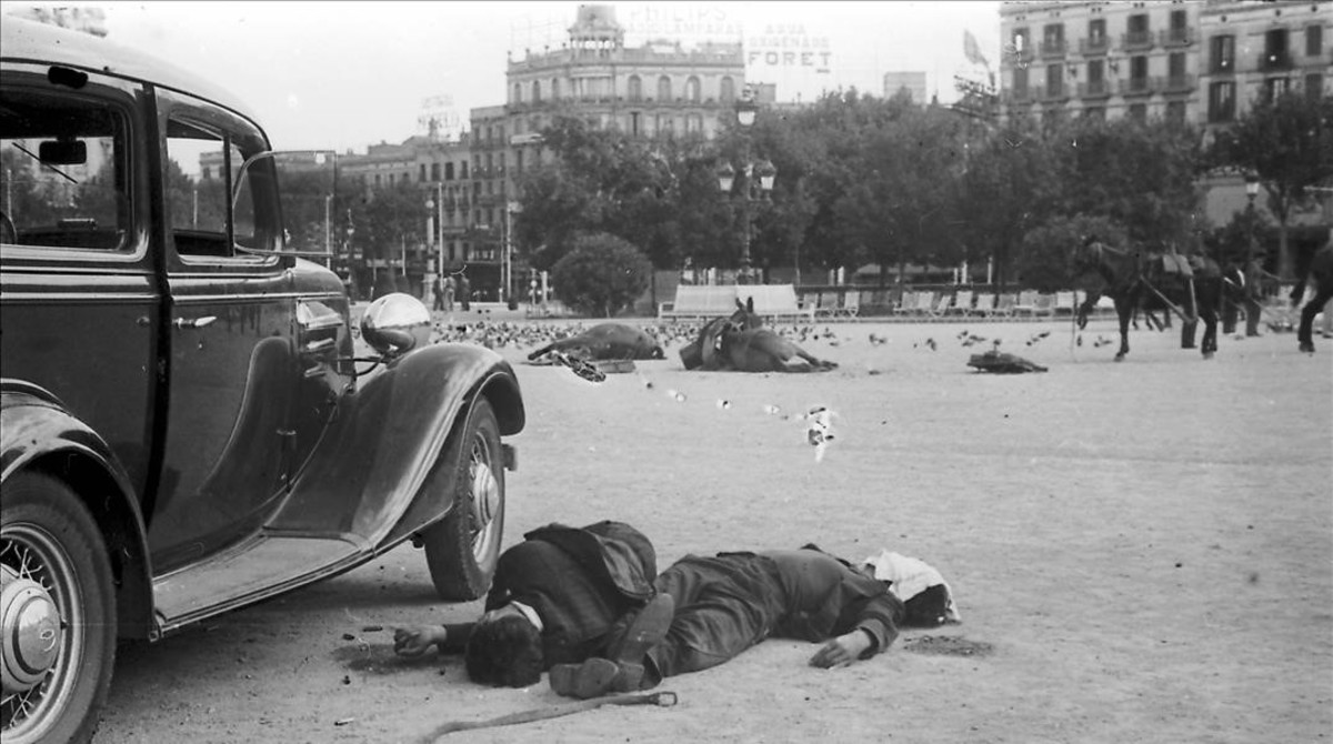 Imagen de la plaza de Catalunya tras el estallido de la guerra civil, el 19 de julio de 1936 en Barcelona.