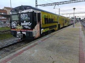 El vandalisme impedeix la sortida d'un tren a la línia 12 de Rodalies