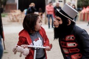 Circ, pallassos, màgia i espectacles diversos a la 14a edició del Passatge Insòlit de Santa Coloma