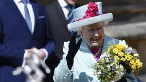 Isabel II, esta mañana, en la Misa de Pascua en Windsor.