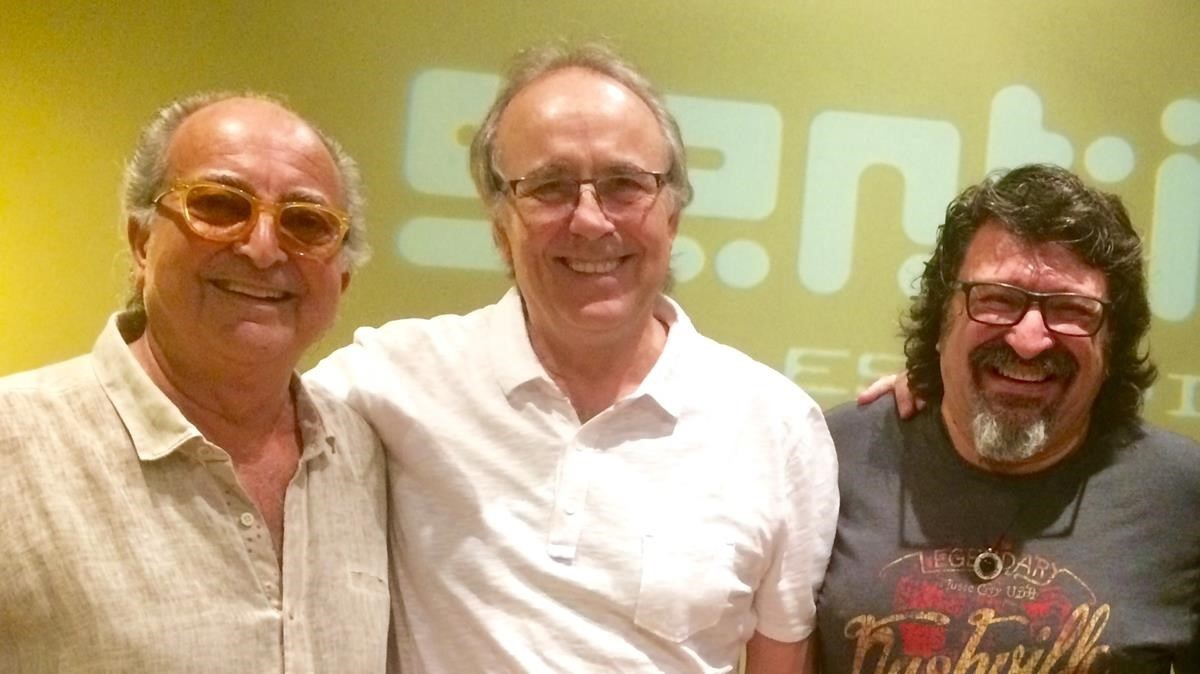 De izquierda a derecha, Leslie, Serrat y Pep Sala