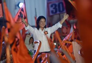 La candidata a la presidencia de Perú Keiko Fujimori durante su mitin de cierre de campaña electoral.