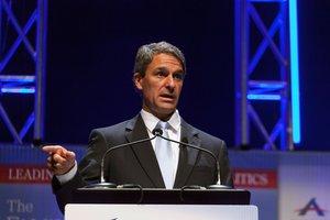 Cuccinelli sustituiría como director del Servicio de Ciudadanía e Inmigración de Estados Unidos (USCIS, en inglés) a L. Francis Cissna.