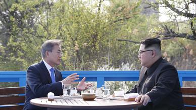 Los líderes de las dos Coreas se reúnen para acordar la cumbre con Trump