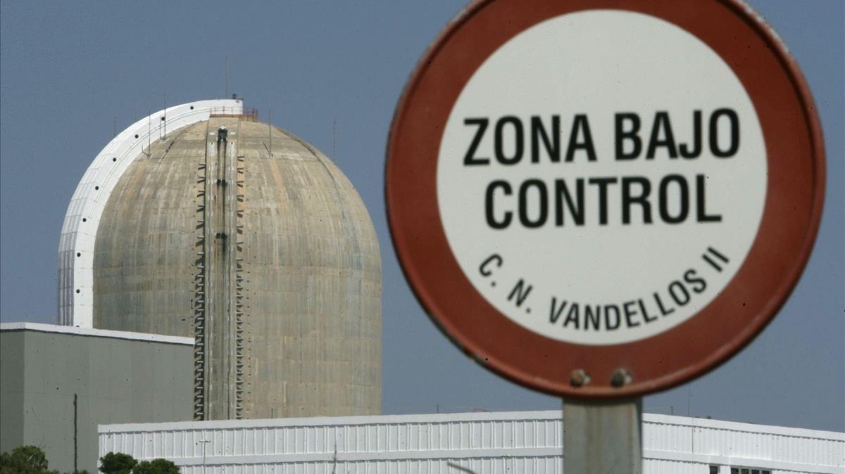 La central nuclear de Vandellòs 2 para al detectar-se un degoteig