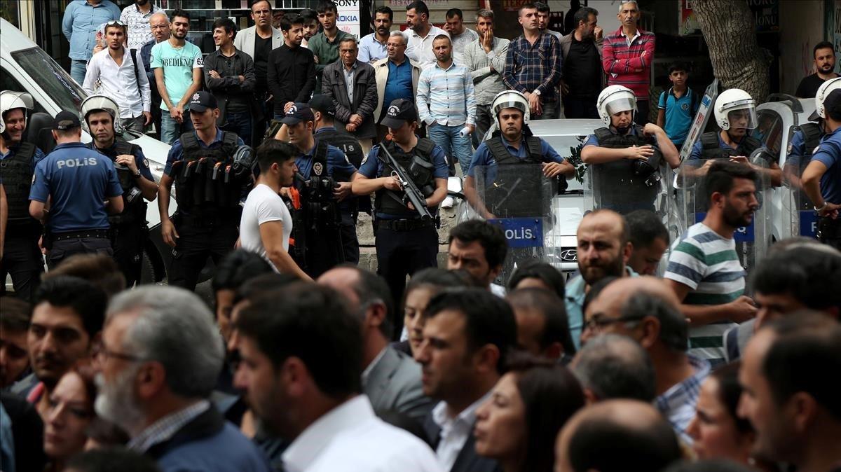 Manifestación en contra de la detenciónde los políticos kurdos.