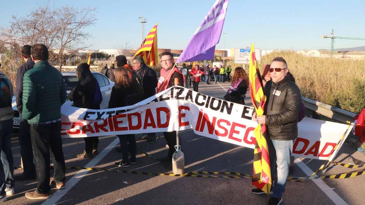 Ampli seguiment de la primera vaga general de la petroquímica de Tarragona