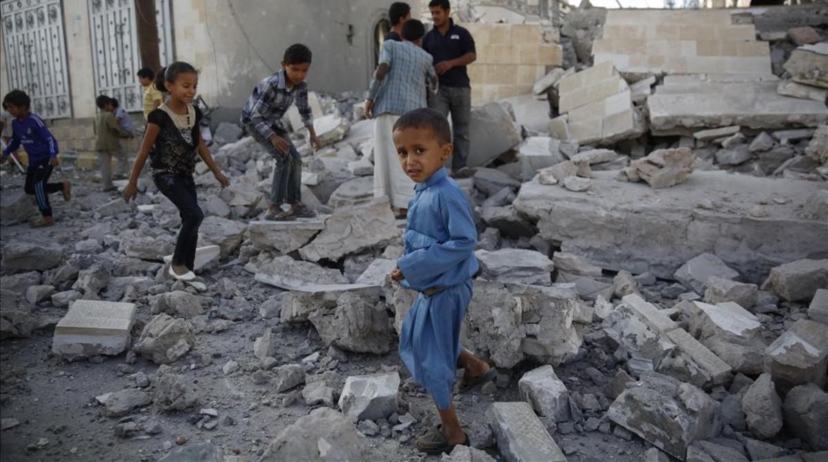 Niños con malnutrición severa en Yemen.