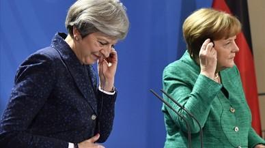 Merkel no ve puntos irresolubles en las negociaciones del 'brexit'