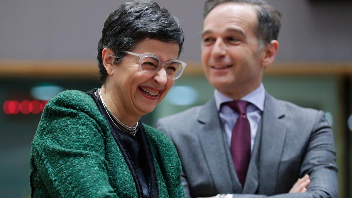 La ministra de Asuntos Exteriores, Arancha González Laya, sostiene que la propuesta de presupuesto comunitaria es insuficiente. En la foto, junto a su homólogo alemán,Heiko Maas.