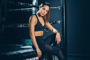 Moda deportiva que mejora el rendimiento físico