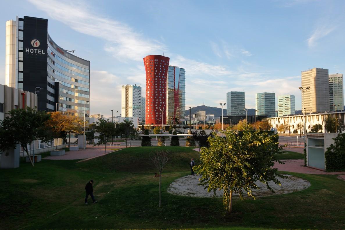 Vista de plaza europa, de lHospitalet, con el hotel Porta Fira en el centro de la imagen.