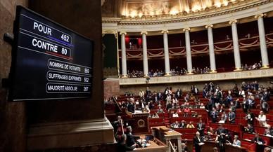 La Asamblea Nacional francesa aprueba la polémica reforma del ferrocarril