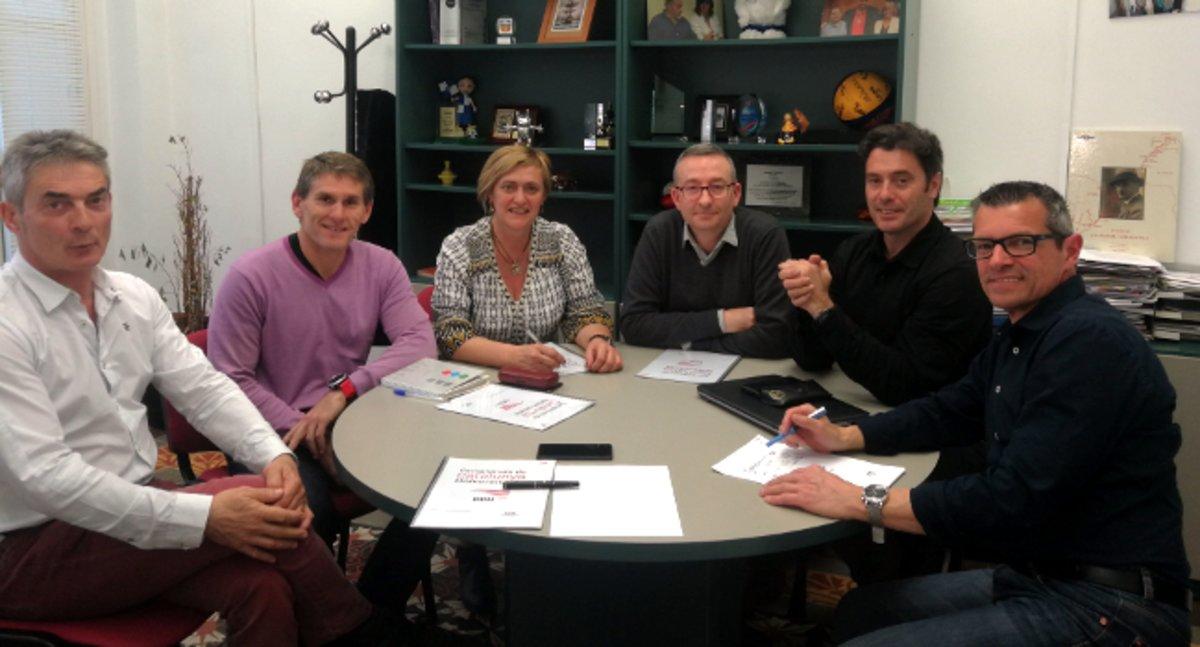 Reunión entre el Ayuntamiento de Sabadell y la UAB para organizar los 35ª edición de los Campeonatos de Catalunya Universitarios.