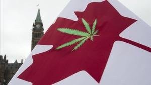 Bandera a favor de la legalización de la marihuana en Canadá.
