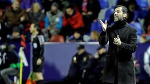 Quique Sánchez Flores, en el partido en el campo del Levante.