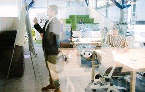 Sesión de trabajo en la 3D Factory Incubator.
