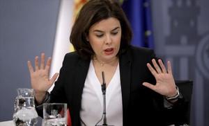 Soraya Sáenz de Santamaría, en rueda de prensatras unConsejo de Ministros.