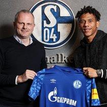 Todibo, con su nueva camiseta del Schalke 04.