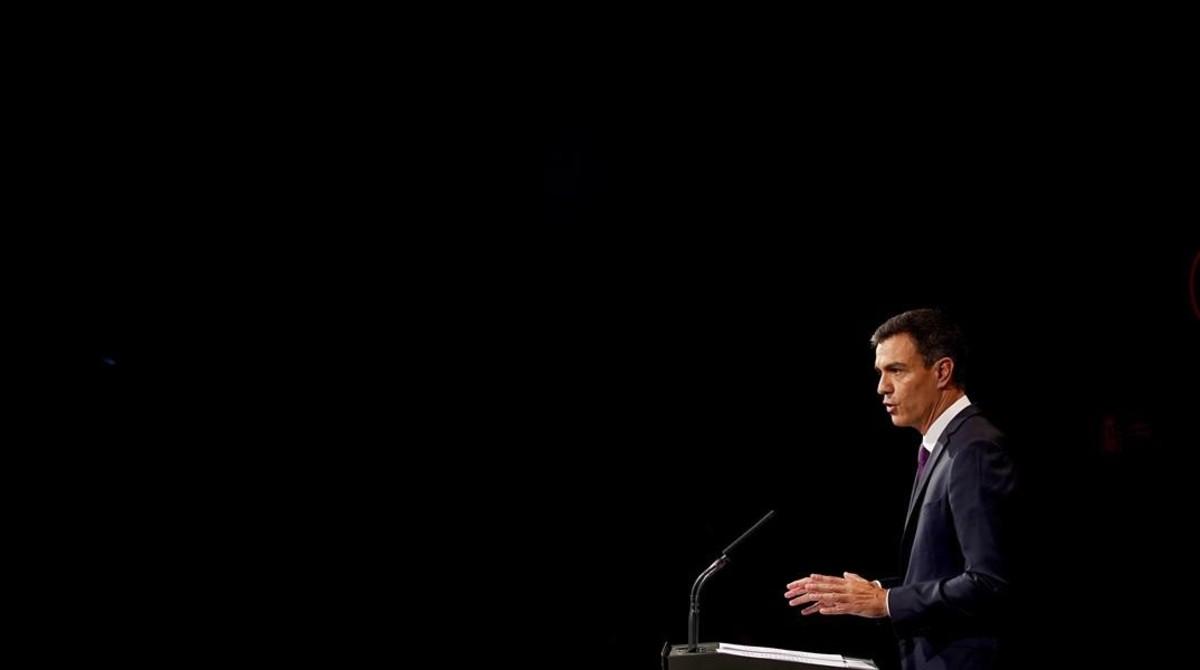 Pedro Sánchez pronuncia su discurso de balance de 100 días de Gobierno en la Casa América, en Madrid.