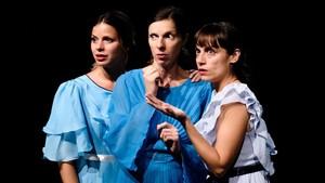 Núria Tomás, Annabel Castan y Patrícia Mendoza, tres actrices para un solo personaje.