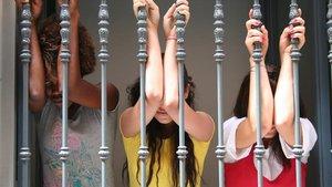 Cena de gala contra la prostitución en el Teatro Real de Madrid: Traje largo, esmoquin y 200 euros el cubierto