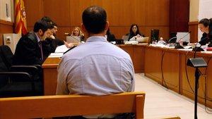 El inspector de los Mossos, Jordi Arasa, en el banquillo de los acusados.