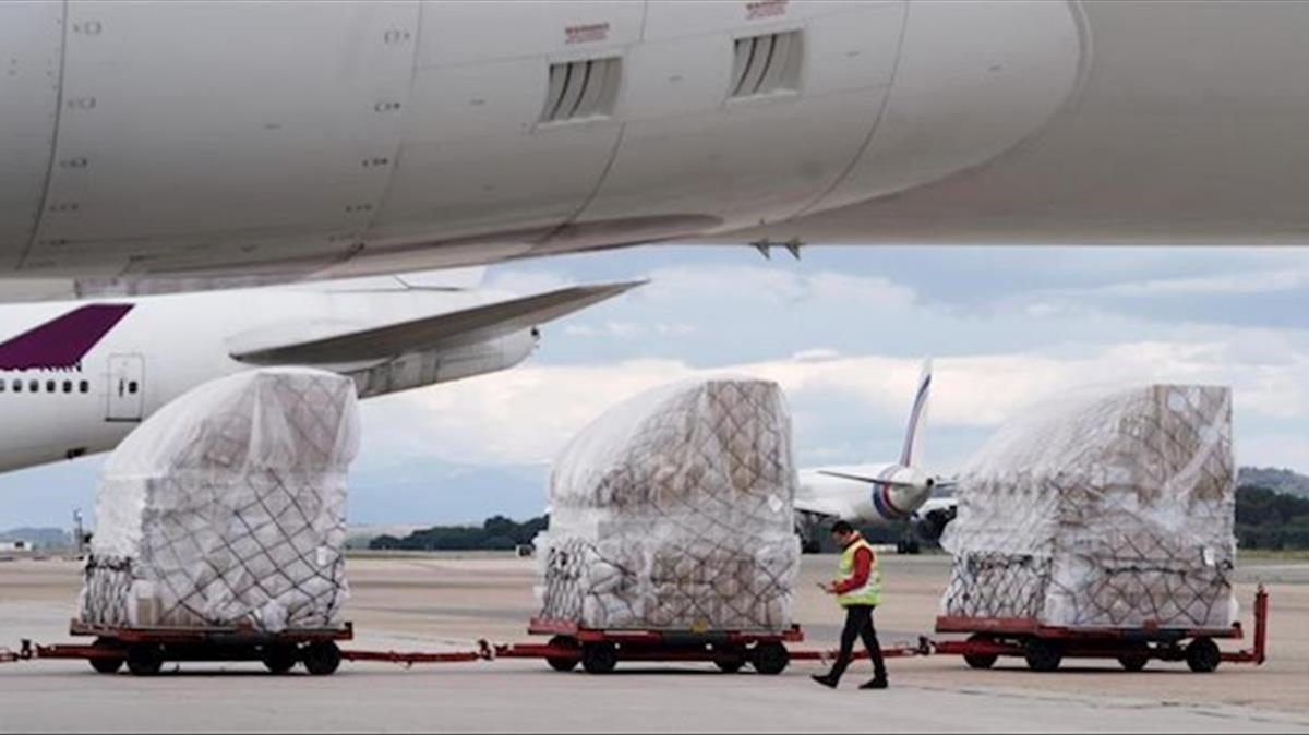 El avión con material sanitario, que ha llegado hoy a Madrid.