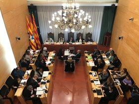 Un pleno en el Ayuntamiento de Badalona.