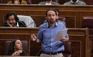 CONGRESO Iglesias y Domènech, ayer, en el pleno de la Cámara baja.