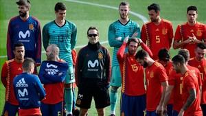 La selección española, antes de hacerse la foto oficial
