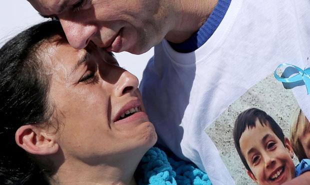 #TodosconGabriel: vecinos se vuelcan con la familia de Gabriel Cruz