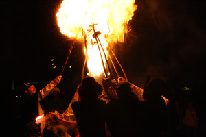 Actuación de los Diables de Terrassa, este sábado por la noche en la ciudad vallesana.