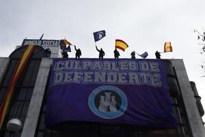 La resistencia de Hogar Social Madrid al desalojo de su sede de Banco Madrid.