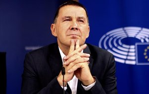 Arnaldo Otegi, durante la rueda de prensa celebrada en Bruselas.