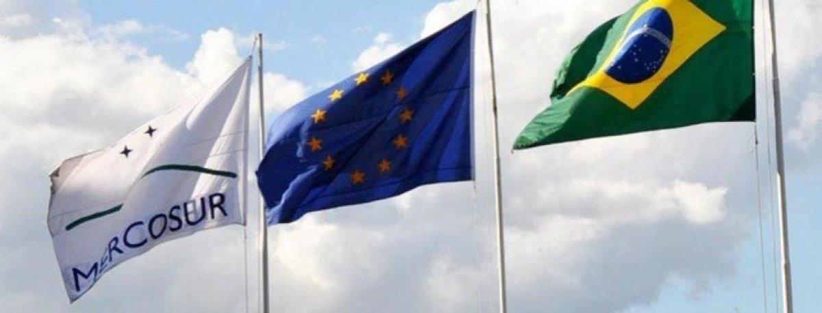 Banderas de Brasil, la Unión Europea y el Mercosur.