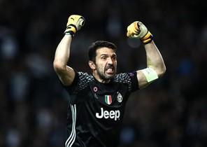 Buffon celebra un gol de la Juventus ante el Mónaco.