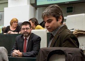 Carlos Sánchez Mato -izquierda- junto a Jorge García Castaño -derecha-, su sucesor como concejal de Economía y Hacienda.