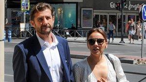 Chenoa, con su novio, Miguel Sánchez Encinas, en Madrid.