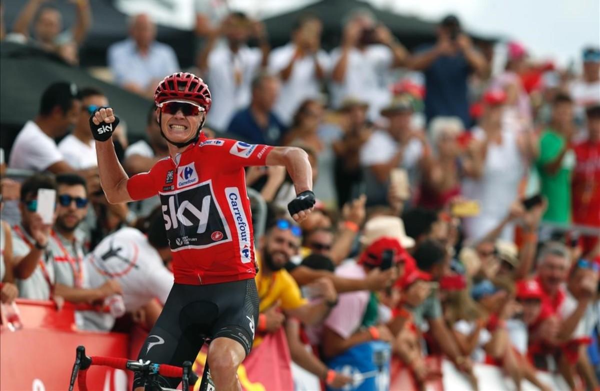 Chris Froome celebra la victoria en la novena etapa de la Vuelta.