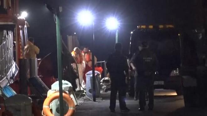 Otros 17 subsaharianos han sido rescatados con vida.